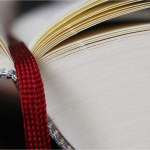 Ein offenes und nachvollziehbares Buch? Die Aufarbeitung von Unternehmensgeschichte zieht Fragen mit sich.