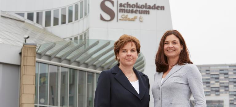 Arbeiten heute Seite an Seite: Annette (links) und Susanne Imhoff.