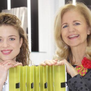 Früher Bandoneon, heute Hightech: Isabelle Mang und ihre Mutter Simone Weinmann-Mang produzieren faltbare Maschinenabdeckungen.