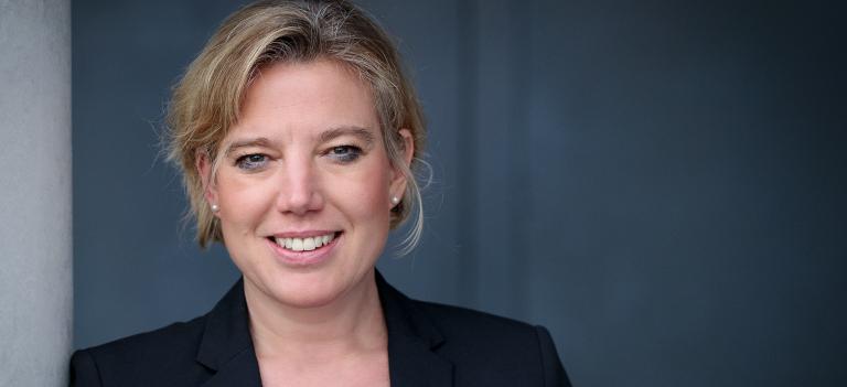 Petra Meyer ist Professorin für Emotionale Intelligenz und Social Skills im Fachbereich Human Resources Management & Leadership in der Abteilung Betriebswirtschaft an der Fachhochschule Salzburg.