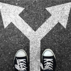 In welche Richtung soll es gehen? Familienunternehmen haben im Hinblick auf philanthropisches Schaffen verschiedene Ansätze. Wie unterscheiden sich diese? Foto: mucella/Thinkstock/iStock/Getty Images