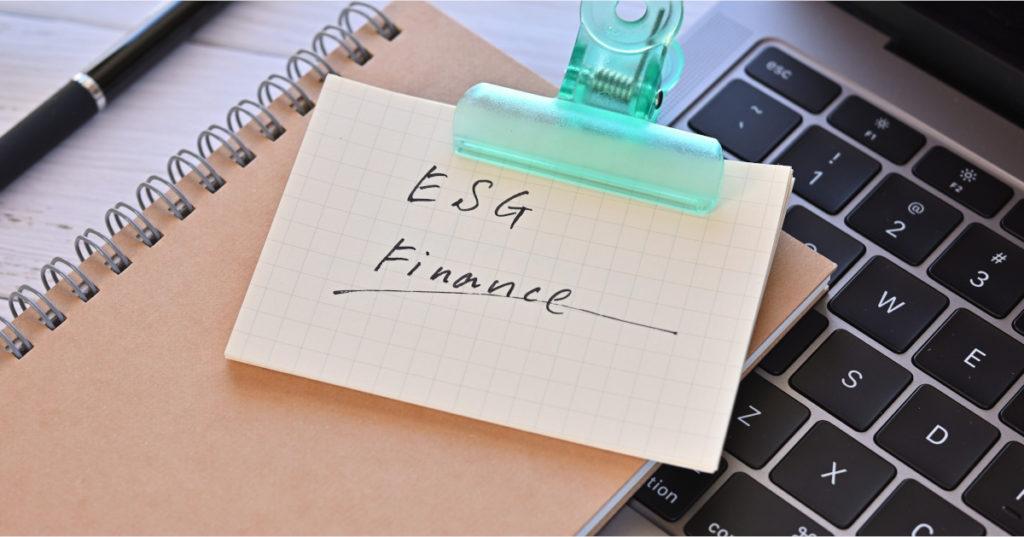 ESG steht in der Finanzbrache heutzutage auf vielen Zetteln.