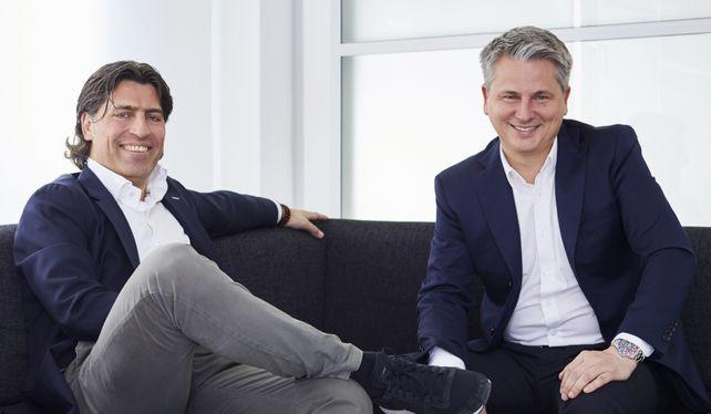Gründersohn und -schwiegersohn: Claus Schuster (rechts) und sein Schwager Jan Möllendorf leiten die defacto-Gruppe seit 2008 gemeinsam.