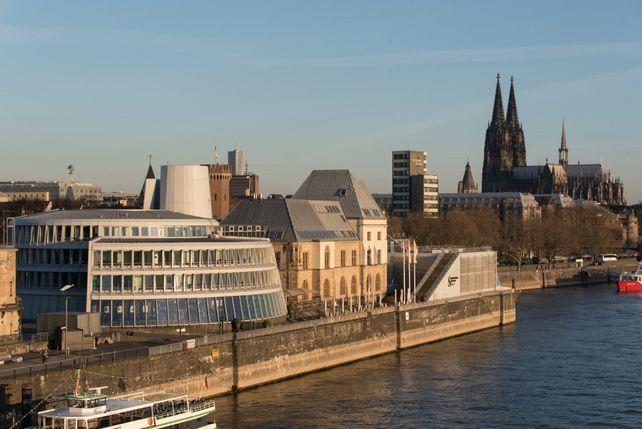 Zwei Kölner Originale: Das Schokoladenmuseum und der Dom.