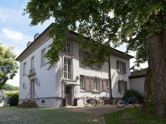 Zentrum für Suchtprävention: die Villa Schöpflin in Lörrach.