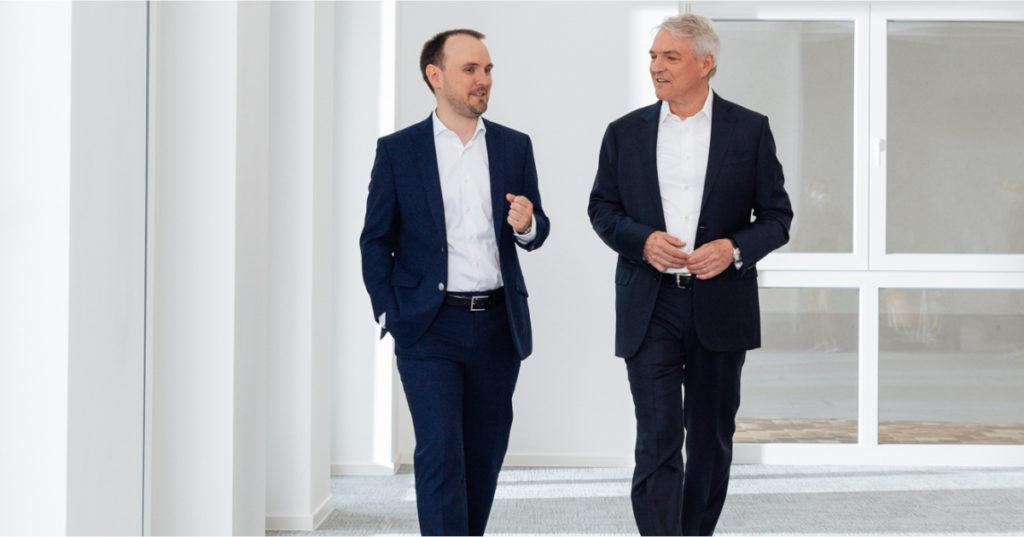 Jürgen Heindl und sein Sohn Maximilian Heindl, der zum stellvertretenden Vorstandsvorsitzenden der Progroup AG ernannt wurde.