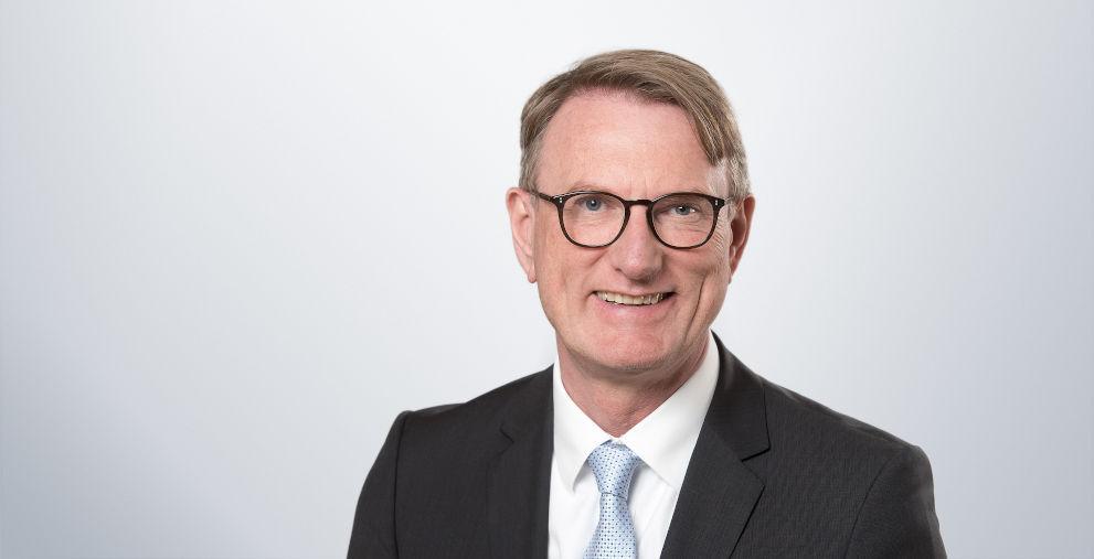 Der deutsche Finanzdienstleister Grenke AG wird ab August von Michael Bücker geführt. Vorgängerin Antje Leminsky geht aus persönlichen Gründen.