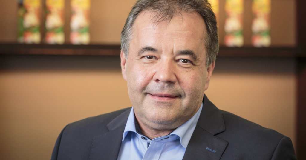 Nicht nur der Obstverarbeitung verschrieben: Peter Pfanner leitet neben dem Unternehmen auch den östereichischen Bundesligisten SCR Altach als Präsident.