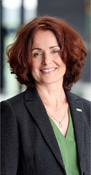 Emese Weissenbacher hat bei MANN+HUMMEL auf das Green Finance Mittel des grünen Schuldscheins gesetzt.